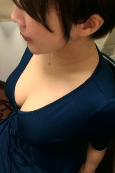 小暮かおり